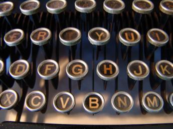 oldtypewriterkeyboard3.jpg
