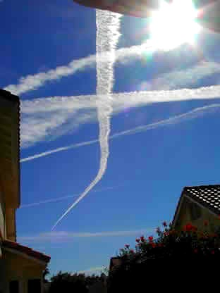 http://www.masternewmedia.org/images/chemtrails-2o.jpg