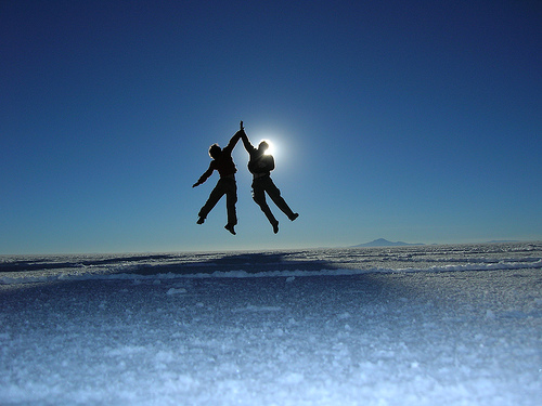 jumping_in_the_sun.jpg (500×375)