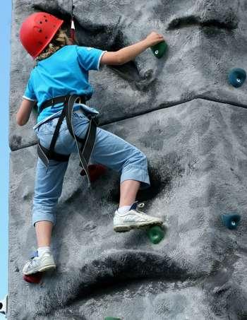 kid_climber_id68368_size350.jpg