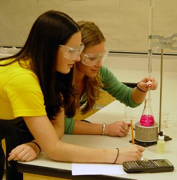students_experimenting_419554_88258128_350.jpg