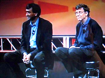 Anoop_Gupta_and_Bill_Gates_o.jpg