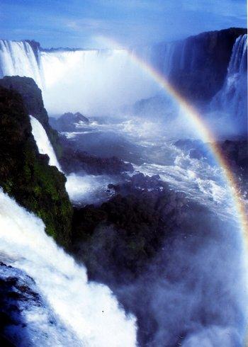 Iguacu_Falls_1_by_kdezmac_350.jpg