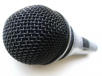 microphone_by_lens.jpg